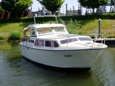 Neat neat and very complete waterland 850