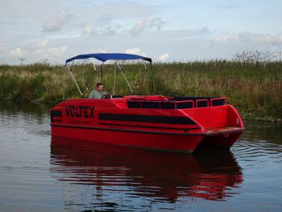 Grote volledig  aluminium pontonboot